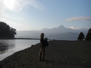 Lago Calafquen mit Villarica im Hintergrund