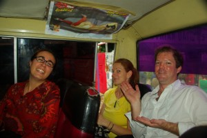 Mit Rachel aus Kanada und Kevin aus Australien im Bus zur paraguayanisch-argentinischen Grenze