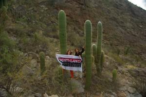 was man fuer den Supporter nicht alles macht - Fotos mit stacheligen Kameraden im Umland von Salta