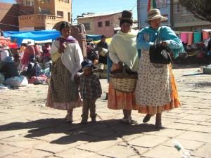 Freundinnen beim Shoppen am Sonntagsmarkt :-)