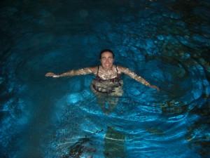 ...in Curacao im Hotel angekomen spaet nachts gings noch schnell in den Hotelpool :-)