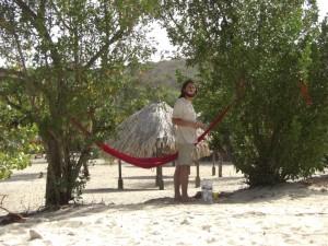 Ein Traum - die Haengematte direkt am Strand - Gemuetlichers gibts wohl net ;-)...grad mal zum Zaehneputzen erhebt man sich daraus