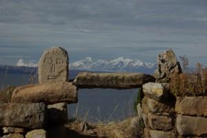 Inkatempel auf der Insel mit Blick auf die Anden