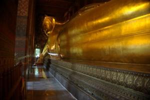 Wat Pho mit seinem 45m langen liegenden Buddha haben wir uns auch angesehn