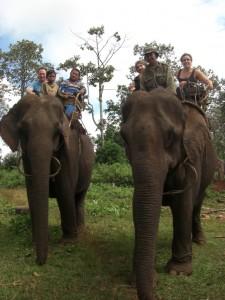Juhuuuu, hoch zu Elefant und bereit fuer den Start!