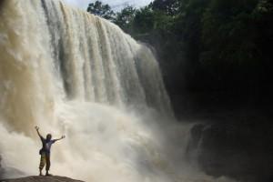 die gigantische 2te Stufe des Wasserfalls