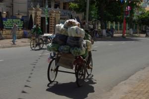 Wahnsinn, was die Fahrradrikschas alles transportieren...