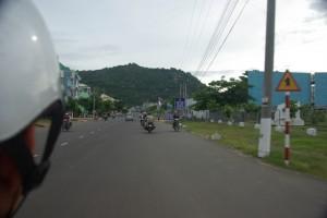 Mit einem Motorradtaxi am Weg zum Sam Mountain