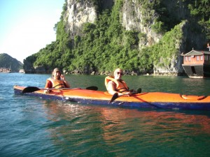 und Alex musste hinten nach ihrer Pfeife paddeln :-)