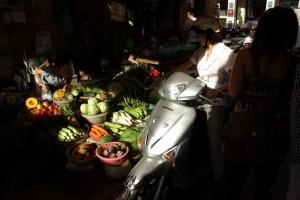 ...wird hier mit dem Moped erledigt