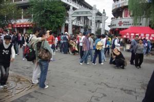 Der erste Eindruck von Dali - hmm Touristen, Touristen - Dani beim Fotomachen :-)
