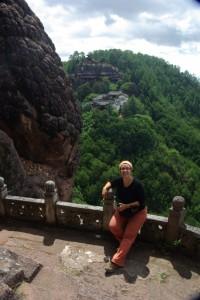 ... der Steinglockentempel von der anderen Talseite aus gesehen