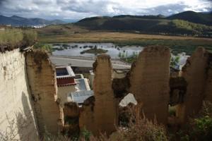 Leider sieht man immer noch die Ruinen der in der kulturellen Revolution zerstoehrten Gebaeude