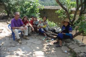 beim Zusammensitzen mit eingen Bewohnern aus Chen Pa