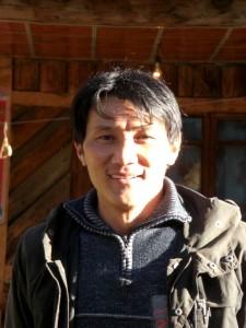 ...wir verabschieden uns von unsrem extrem freundlichen und bemuehten tibetischen GAsthausbesitzer...