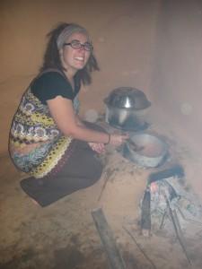 es macht Spass, in der nepalesischen Kueche italienische Pasta zu kochen