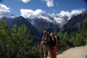 ...nach dem Pass empfaengt uns ein atemberaubender Blick auf die Meili Gebirgskette