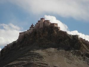 ...auf den Dzong (die alte Tibetische Festung)...