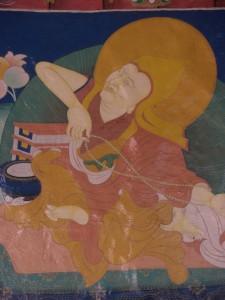 ...das Kloster ist wiederum geschmueckt mit Szenen aus buddhistischen Mythen