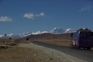 etwas muss man den Chinesesn lassen: der Transport in Tibet ist seit den 50iger Jahren viel einfacher geworden