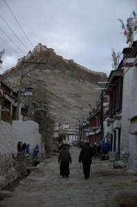 ...Tibet wie es zwar unterentwickelt, aber noch frei war!