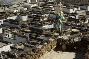 ...der Blick vom Kloster auf die Altstadt ist grandios und zeigt wie die Tibeter leben