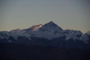 Ihre MAjestaet, der Mount Everest - der hoechste Berg der Welt im Sonnenaufgang