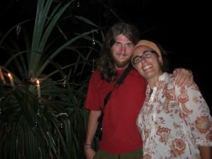 Oh du Froehlichehe oh du Seligehe ... Wir beim Palmenchristbaum vor unserem Zelt am Strand