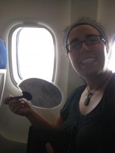Andaman Inseln wir kommen - Dani freut sich schon riesig und im Flieger merkt man schon deutlich, das es nun waermer wird :-)