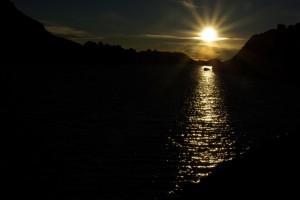 ...das Sonnenlicht der Abendsonne glitzert in den Seen...