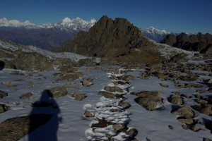 Die Spuren frueherer Bergsteiger im Schnee erleichtern die Wegsuche sehr :-)