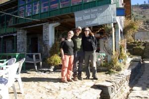 Aufbruch von Sin Gompa wir zum Abstieg nach Dunche und die Kaerntnerin auf zu den Gosaikundaseen