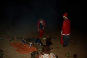 ...gegen Mitternacht werden dann die Weihnachtsmannkostueme ausgepackt - Ho Ho Ho Ho