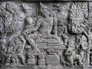 wunderschoene Reliefs zieren die Aussenmauer...