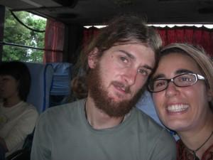 Bhuuuu, müüüde, in der Frühe gehts los nach Tana Toraja, eine 12 Stunden Busfahrt erwartet uns