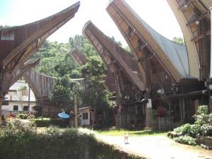 sehr imposant und wunderschön das Dorf bei strahlendem Wetter am nächsten Tag