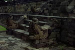 Bitte einzutreten - der Steigenaufgang zu Borobudur
