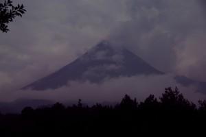 Der Vulkan Merapi - normalerweise einer der gefaehrlichsten Vulkane der Welt - uns praesentiert er sich zahm