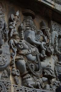 ...und durch genaues Schauen haben wir auch wieder eine Ganeshdarstellung auf dem Tempel entdeckt